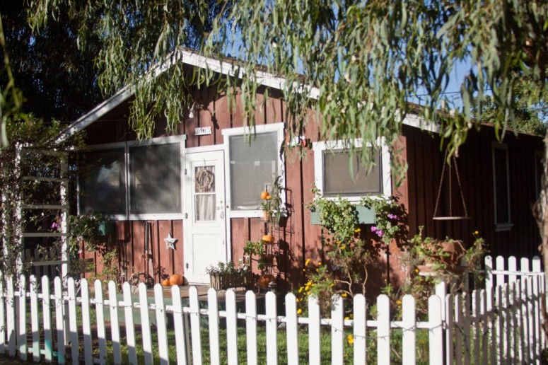 Paddison Farm's Cottage with Garden and White Picket Fence